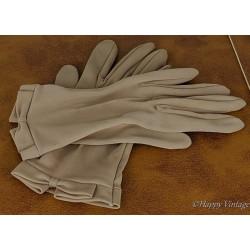 Vintage Ladies Nylon Kid Wrist Gloves